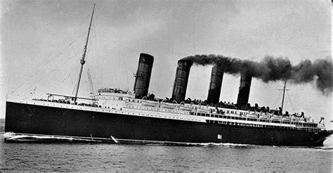 ww1 sinking of the lusitania the sinking of the lusitania and america s entry into