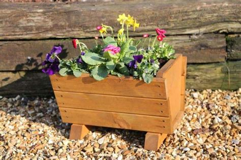 Tom Chambers Planters by Uk Garden Fencing Wisely Garden Planter Tom Chambers