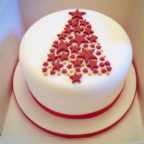 finally got time to bake and decorate a christmas cake for