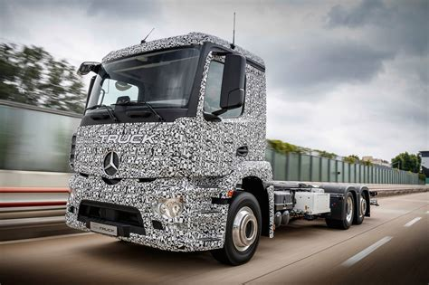 mercedes truck mercedes benz reveals fully electric urban etruck