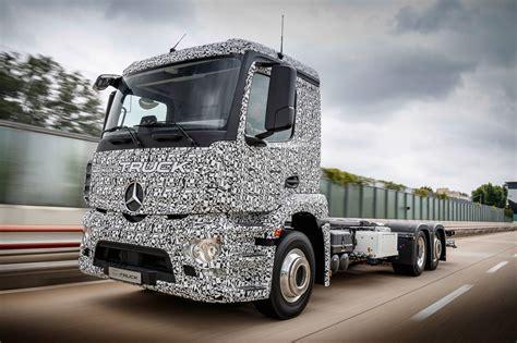 mercedes truck mercedes benz reveals fully electric urban etruck