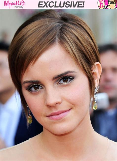 2015 growing out a bob hair tips emma watson s hairstylist gives you tips on growing out