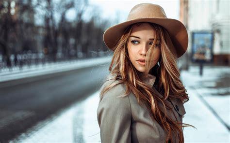 wallpaper girl with hat brown hair girl wind hat city wallpaper girls