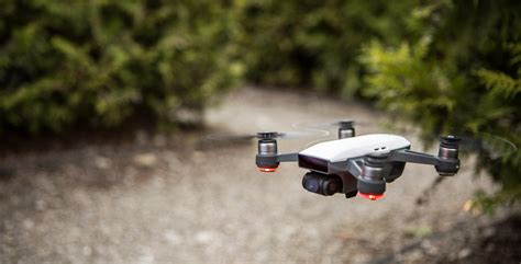 Drone Spark Dji S New Spark Drone Lets You Fly It With Just The Palm Of Your