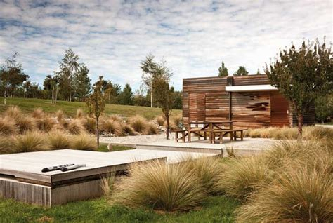 Contemporary Outdoor Rooms - secrets of a dry garden by megan wraight the design guide