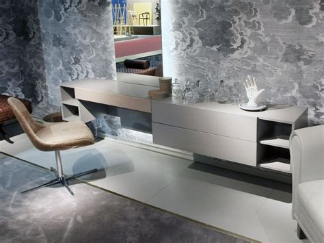 Dressing Table Designs For Bedroom Dressing Tables With Mirrors Reflect The Of The D 233 Cor