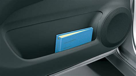 pocket front door honda エディックス 2009年8月終了モデル webカタログ 主要装備 フロントドアポケット