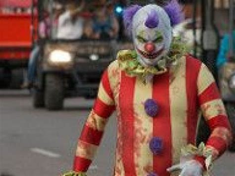 another creepy clown encounter this one at texas state