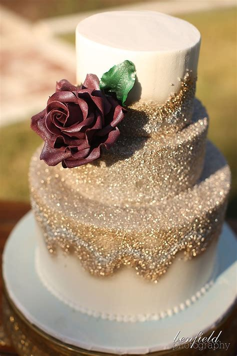 Images Of Beautiful Wedding Cakes by 25 Best Ideas About Gold Wedding Cakes On