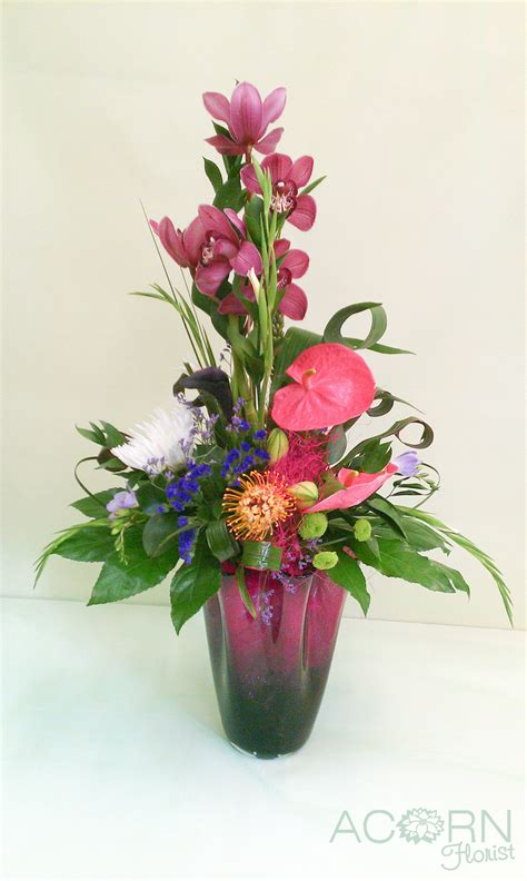 Modern Flower Arrangements In Vase by Canncok Florist Delivering Beautiful Flowers Acorn Florist Hednesford