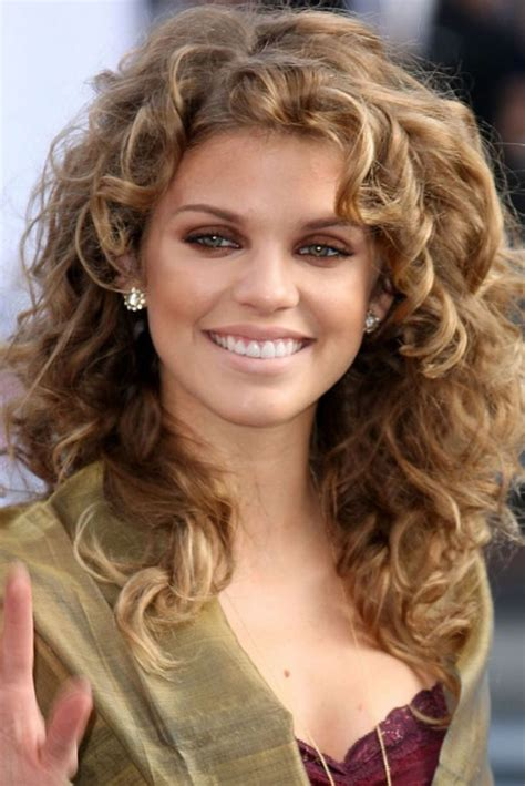 curling hair towards the face best hairstyles for square face shape square face