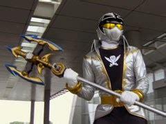 Tombak Power Rangers henshin time alat dan senjata dalam kaizoku sentai gokaiger