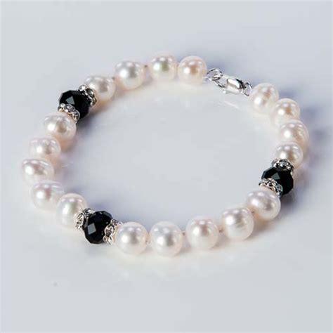 stretch pearl bracelet with 3 crystals margaret palmer