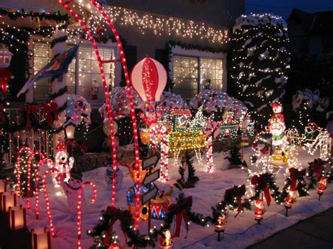 best christmas decorated homes best neighborhoods for holiday home decorations 171 cbs san