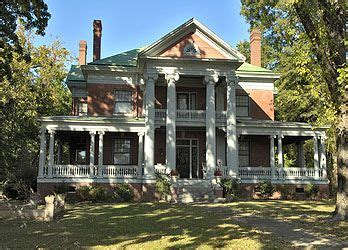 1000 Images About Savannah Tn Historic Homes On Pinterest Home Tennessee And Victorian