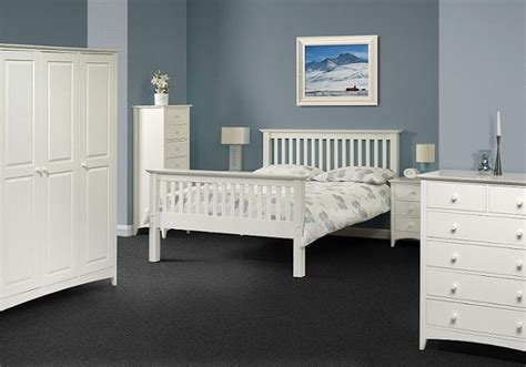 aspen white bedroom furniture 1000 ideas about solid wood bedroom furniture on