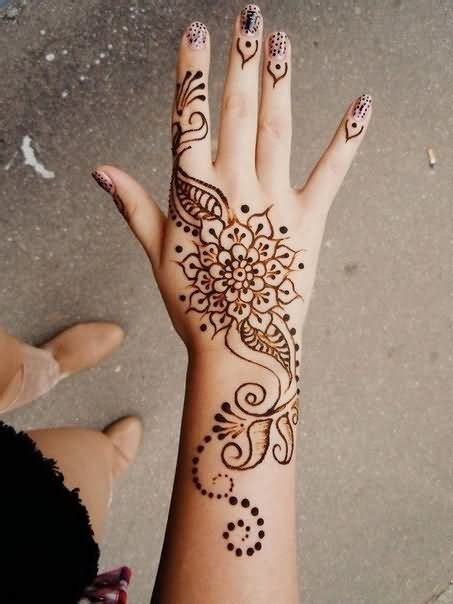 henna tattoo on hands 29 simple henna tattoos