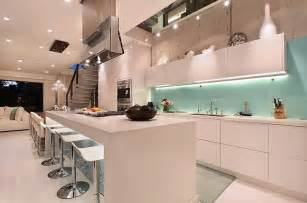 beautiful and refreshing kitchen backsplash for white