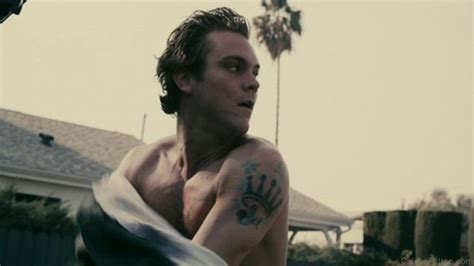 clayne crawford shoulder tattoos