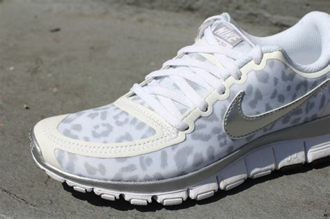 grey cheetah nike running shoes wmns nike free 5 0 v4 white metallic silver wolf grey on
