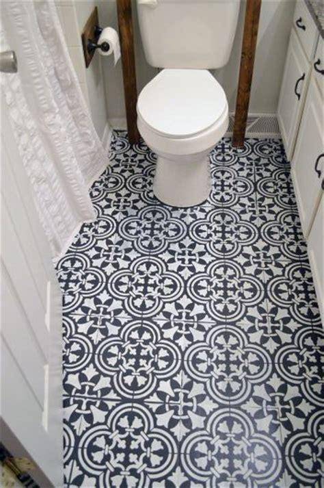 linoleum bad how to stencil a tile pattern on a bathroom floor
