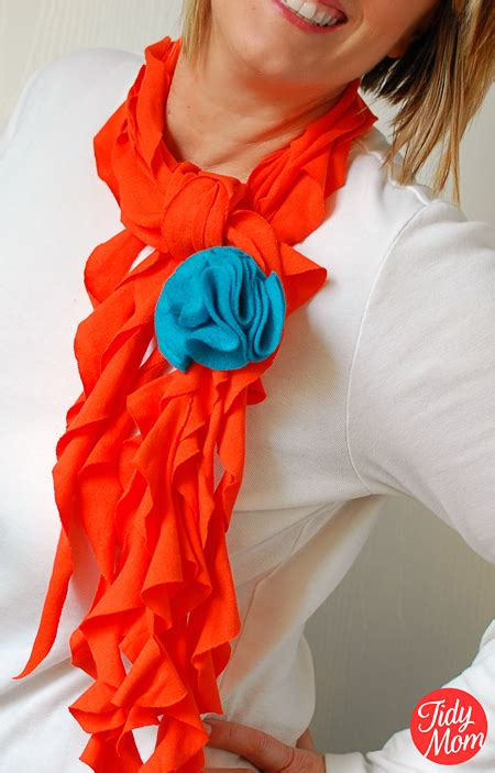 t shirt scarf tutorial no sew tidymom