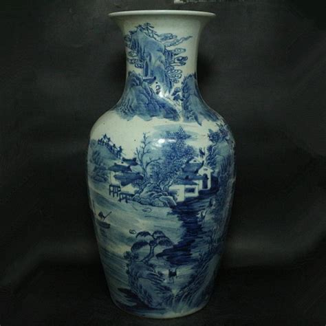 Ching Dynasty Vase by A Large Blue And White Vase Ching Dynasty