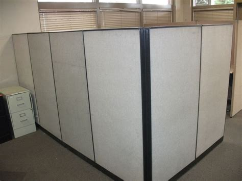 Office Desk Partitions Office Cubicle W Six Partitions Corner Desk Included Modular Used Ebay