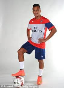 alexis sanchez new boots puma release special edition arsenal boots for olivier