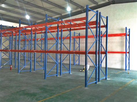 roll formed selective pallet racking for warehouses