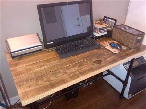 Diy Pallet Dining Table Computer Desk 101 Pallets Pallet Computer Desk