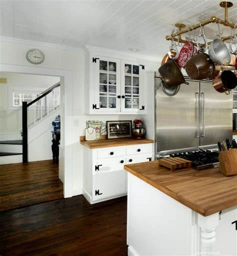 ren 233 e zellweger selling country house in connecticut - Country Kitchen East Ct
