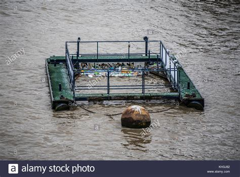 thames river recycling cleaning the river thames stock photos cleaning the