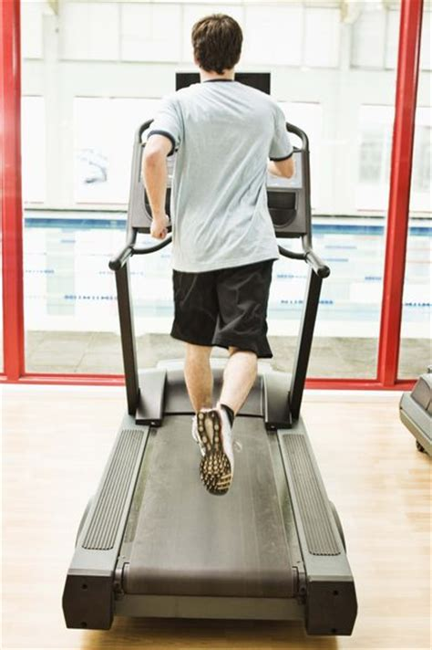 do treadmills tone the stomach as well as the legs buttocks