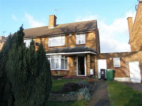 watford wd modern  bed semi detached house pcm