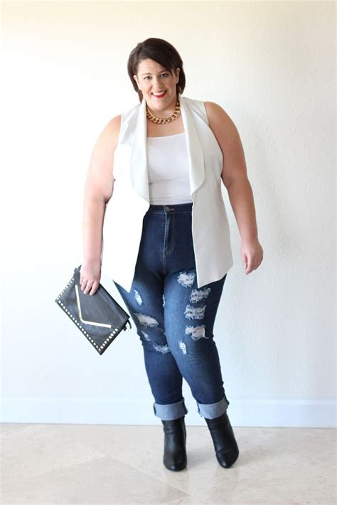 Dila 4 Blouse By Apple who says a 330lb size 26 28 can t tuck shirt in and rock a sleeveless blazer in the