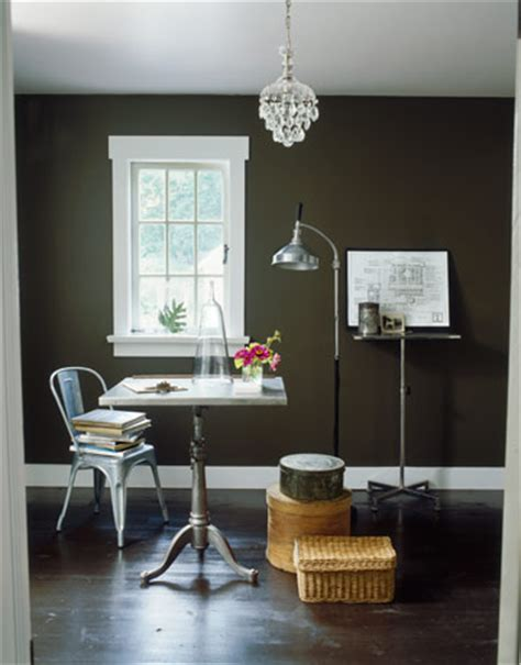 hometalk paint colors for small spaces