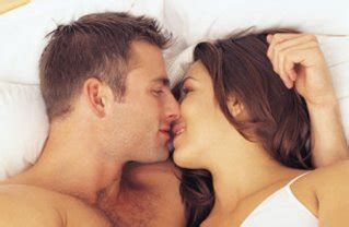 women kissing in bed july 2010 entertainment realm