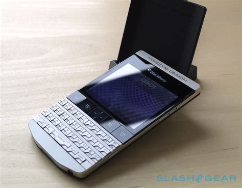 porsche design blackberry blackberry porsche design p 9981 review slashgear
