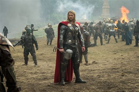 film thor sekuel chris hemsworth talks thor 3 story becoming more