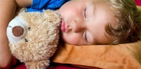 baby will nicht im eigenen bett schlafen will nachts nicht im eigenen bett schlafen warum