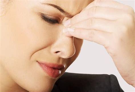 mal di testa e sinusite come alleviare mal di testa da sinusite