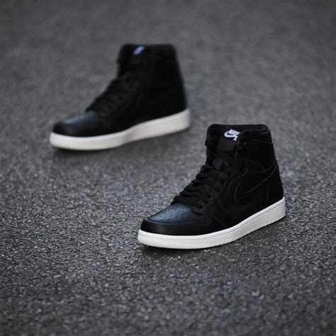 Sneakers Air Cyber Monday air 1 quot cyber monday quot detailed images complex