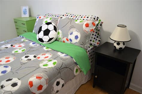 soccer bedrooms for girls cool soccer rooms the secrets of soccer bedding ideas