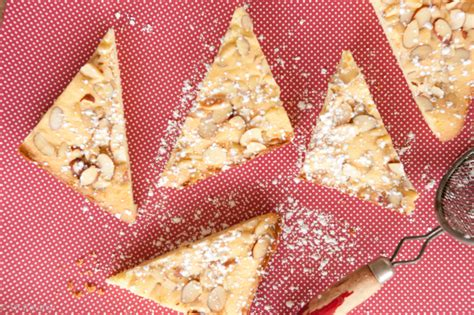 mantovana torta torte mantovana almond and pine nut cakes butterandeggs