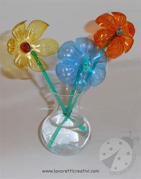 fiori di plastica fatti con bottiglie fiori con bottiglie di plastica e cannucce