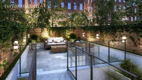 Backyard Nyc by This 14 8m Uws Townhouse Does Not A Pool In The Back