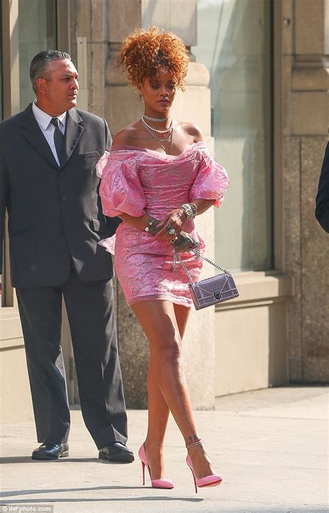Dressjaket Rihana rihanna brings the 80s back in bubblegum at perfume daily mail