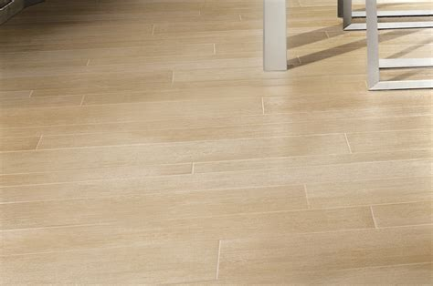 pavimento rovere naturale rovere naturale gres porcellanato effetto legno ariostea
