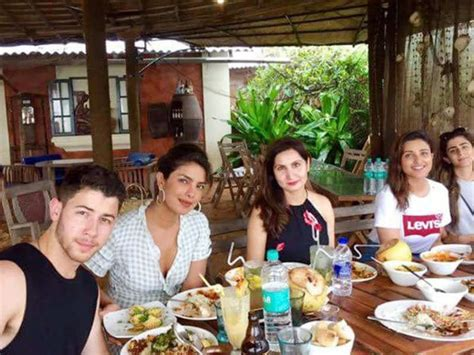 priyanka chopra family hindi priyanka chopra and nick jonas share a meal with family